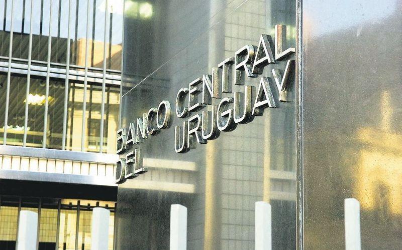 Circular del BCU actualiza obligaciones de los Asesores de Inversión y regula la relación entre las instituciones reguladas y sus clientes