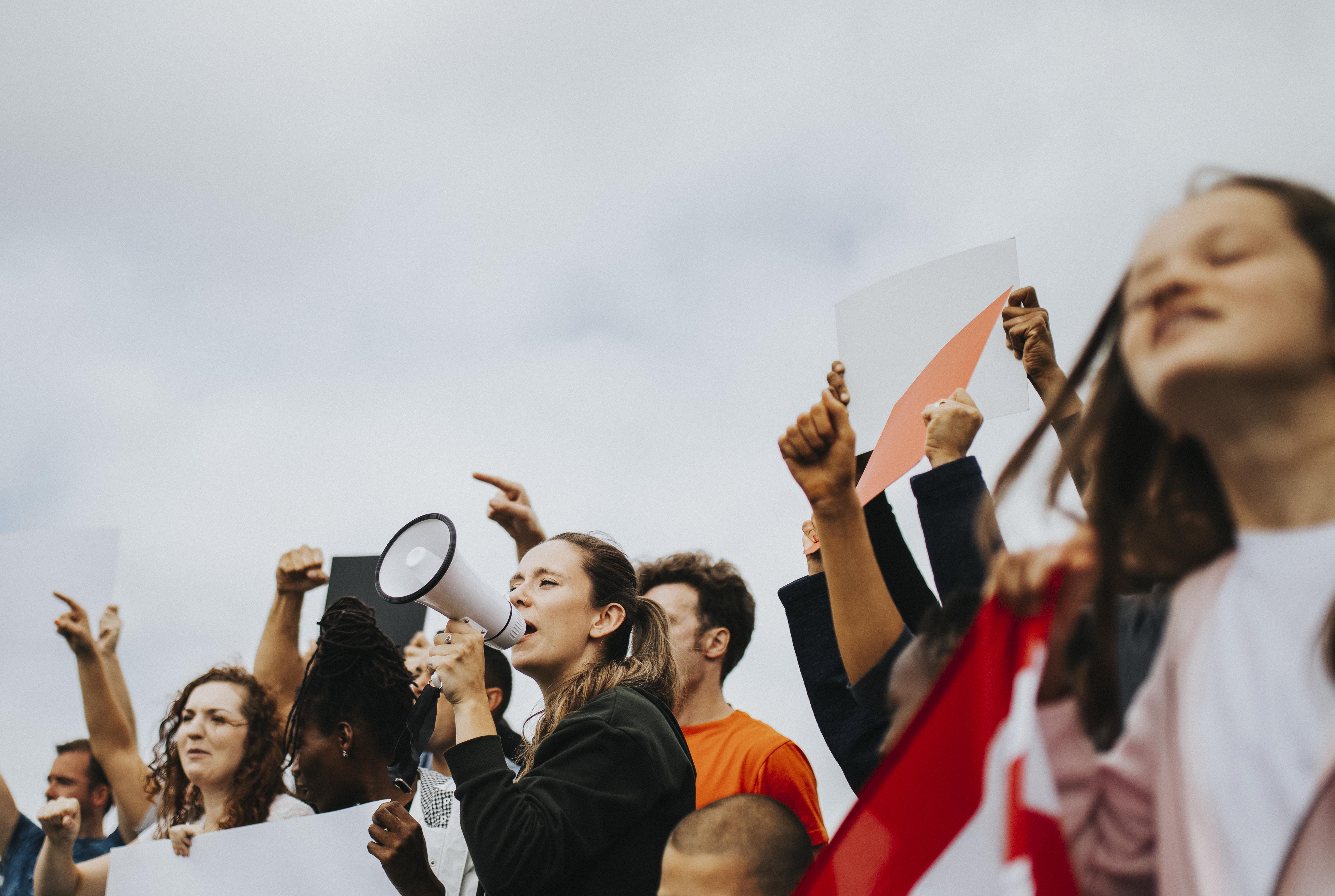 Decreto limita ocupaciones de lugares de trabajo